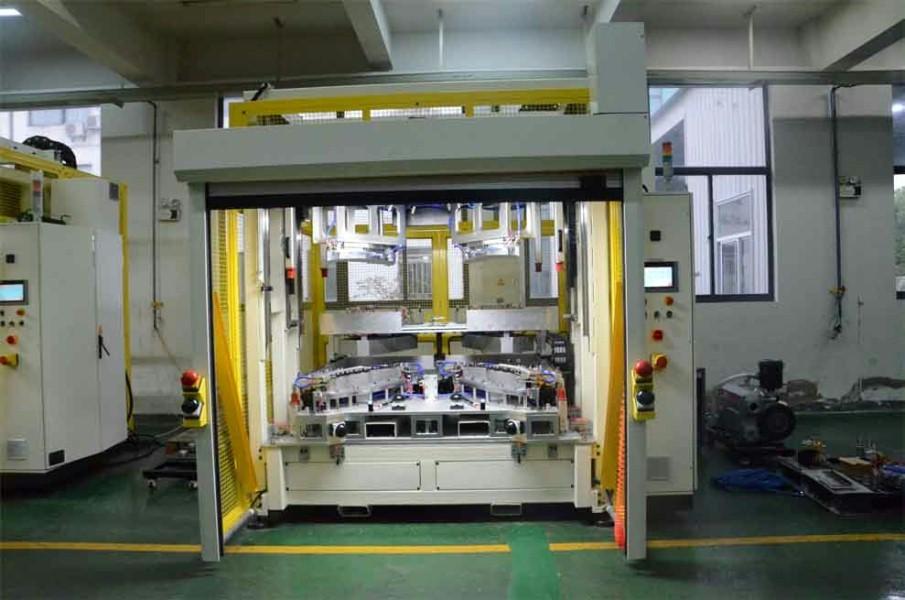 焊接防护快速门